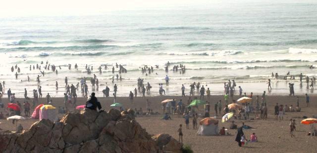 Maroc Casablanca plage publique sur la corniche