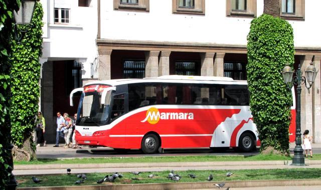 Maroc Rabat car Marmara garé avenue Mohamed V