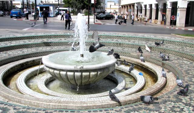 Maroc Rabat fontaine place Mohamed V vers la gare