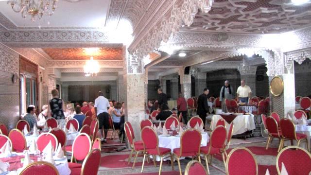 Interieur du restaurant entre Rabat et Meknes