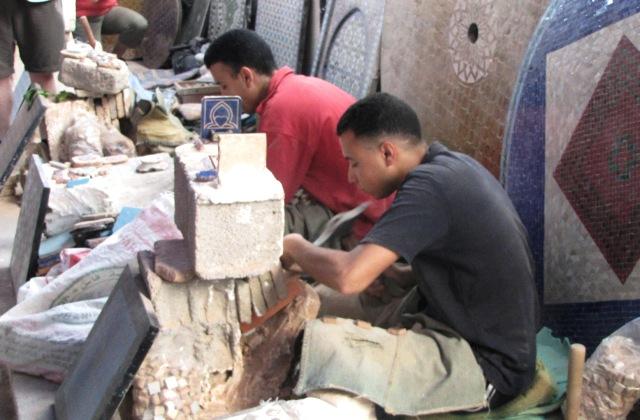 Maroc Fes tailleurs de mosaiques