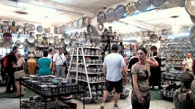 Maroc Fes caverne des artisans pottiers